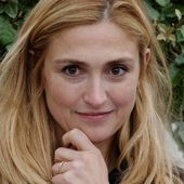 "Julie Gayet, tout sauf une actrice ""normale"""
