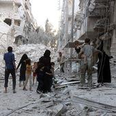 Syrie : les quartiers rebelles d'Alep ploient sous d'intenses bombardements