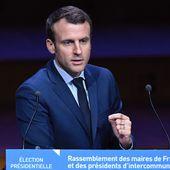 Emmanuel Macron sifflé par les maires de France