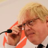 Boris Johnson renews attack on PM over EU referendum leaflet