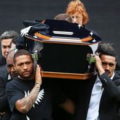 Jonah Lomu: thousands attend memorial for 'rugby's first superstar'