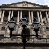 Bank of England blames falling pound on Brexit fears