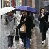 Easter weather: heavy rain and strong winds after sunny start