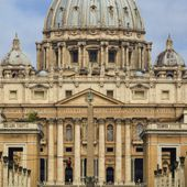 LGBT Catholic Group Gets VIP Treatment At Vatican - MOINS de BIENS PLUS de LIENS