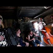 Steve 'n' Seagulls - Run To The Hills (Live)