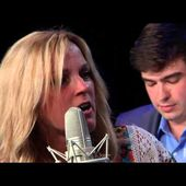 """Rhonda Vincent & The Rage """"Drivin' Nails In My Coffin"""""""