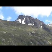 GOLDWING UNSERSBANDE - DESCENTE DU COL DU GOTHARD FILMEE PAR MF