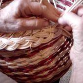 Panier en crocane et bordure nattée