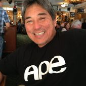 "Go write a book! @guykawasaki tells you how ""APE style."" at Buck's of Woodside by scobleizer"