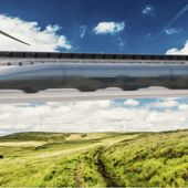 "Hyperloop: Premier test du ""train du futur"""