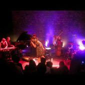 Kellylee Evans: Lose Yourself (2013-03-27: Café de la Danse, Paris, FR)