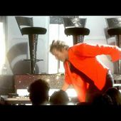 Rod Stewart - Hot Legs (Live at Royal Albert Hall 2004)_clip7
