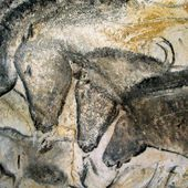 Vast replica recreates prehistoric Chauvet cave - BBC News