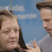 The hairdresser for the homeless - BBC News