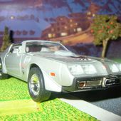 PONTIAC FIREBIRD TRANS AM 1979 ROAD SIGNATURE 1/43 - car-collector.net