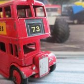 LONDON BUS EXIDE BATTERIES DINKY TOYS 1/65 - AUTOBUS A IMPERIAL - AUTOCAR 2 ETAGES - DOUBLE DECKER - car-collector.net