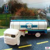 CAMION MERCEDES FRANCE LAIT MARQUE SESAME 1/65 - car-collector.net