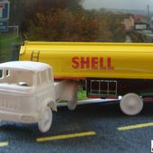 BERLIET TRK10 CITERNE SHELL SESAME 1/65 - car-collector.net