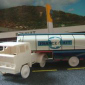 CAMION BERNARD CITERNE FRANCE LAIT - car-collector