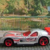 PANOZ GTR-1 HOT WHEELS 1/64 GTR1 - car-collector