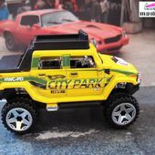 HUMMER H2 SUT REHAUSSE ET COUPE HOT WHEELS 1/64 4X4 TOUT TERRAIN - car-collector.net