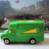 FOURGON FORD GLACIER MAJORETTE 1/67 - CAMION DE GLACES - ICE CREAM TRUCK - car-collector