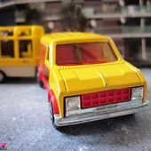 FORD VAN CIRQUE PINDER AVEC CAGE AU LION MAJORETTE 1/65 - car-collector.net