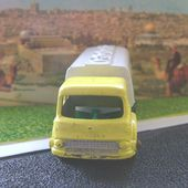 MB25-c. BEDFORD PETROL TANKER CAMION CITERNE BP MATCHBOX - car-collector.net