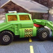 TANK TRANSPORTER CAMION MATCHBOX 1974 BATTLE KINGS REF K106 - car-collector