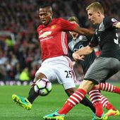 Manchester United news: Antonio Valencia is the best right-back in the world - Ander Herrera - Goal.com