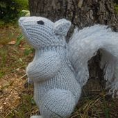 Knit One, Squirrel Two pattern by Sara Elizabeth Kellner