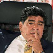 """Scandale à la Fifa: Maradona accuse Platini d'avoir """"arrangé 187 matchs"""" à la tête de l'Uefa"""