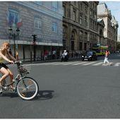Femmes du Monde... à bicyclette Article 2000 -1 - Images du Beau du Monde