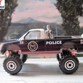 4X4 REHAUSSE REALTOY POLICE BRIGADE ANTI CRIME SPECIAL SERVICE UNIT & SPORTS KITS SPORT RACING EQUIPMENT - car-collector