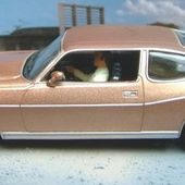 FASCICULE N°44 AMC MATADOR COUPE 1974 JAMES BOND 007 L'HOMME AUX PISTOLETS D'OR - car-collector.net