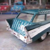 57 CHEVROLET NOMAD 1/43 ROAD SIGNATURE - car-collector.net