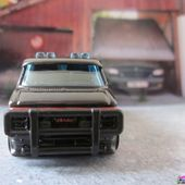 A TEAM VAN GMC G20 VANDURA - BARRACUDA AGENCE TOUS RISQUES - HOT WHEELS 1/64 - car-collector.net