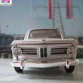 BMW 2002 TII 1972 BURAGO 1/32 SERIE STREET CLASSICS COULEUR GRISE - car-collector.net