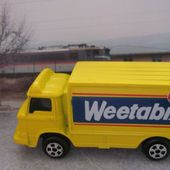 CAMION LEYLAND TERRIER CORGI 1/87 - PROMOTION WEETABIX - car-collector.net