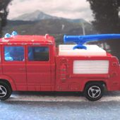 258-B CAMION MERCEDES POMPIERS AEROPORT MAJORETTE 1/70 - car-collector.net