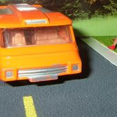 MINIBUS CORGI 1/43 INTER CITY MINI BUS ORANGE - car-collector.net
