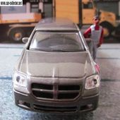 DODGE MAGNUM RT 2006 1/43 BURAGO - car-collector.net
