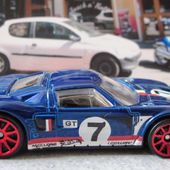 FORD GT LM HOT WHEELS 1/64 FORD GTLM - car-collector