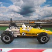 F1 MAC LAREN M7A MOTEUR FORD COSWORTH CADEAU STATION ELF CHAMPION 1/66 - car-collector.net