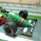 F1 BENETTON FORD B188 1988 THIERRY BOUTSEN MINICHAMPS 1/43 - car-collector.net