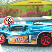 GT RACER HOT WHEELS 1/64 + COLLECTOR + SERIE COLOR FX - car-collector