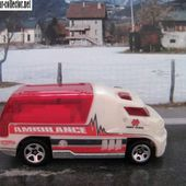RAPID RESPONSE AMBULANCE HOT WHEELS 1/64 - car-collector.net