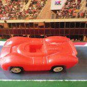 VOITURE MINIATURE LE MANS MODELE EN PLASTIQUE - INCONNU - car-collector.net