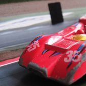 BARQUETTE LOLA LE MANS SUMMER 1/64 - car-collector.net