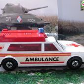 AMBULANCE MATCHBOX SERIE SPEED KINGS 1/45 - car-collector